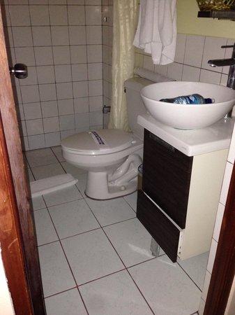 Park Hotel : sauberes Badezimmer