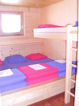 Cabane de Tortin: Une chambre pour 4 personnes
