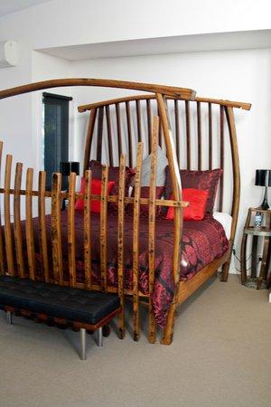 Deja Vu Estate: Wine Barrel King size bed