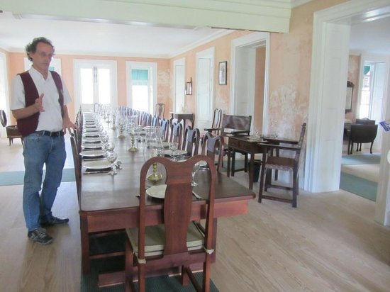 Barbados Garrison: Inside the dining room in George Washington's house
