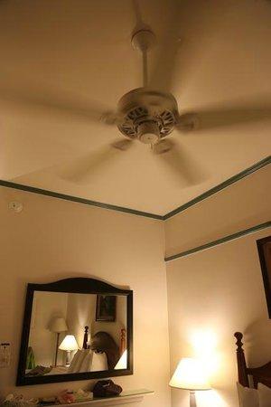 Best Western Pioneer Inn : La chambre