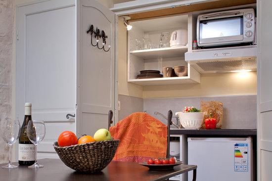 Aux Augustins : kitchenette