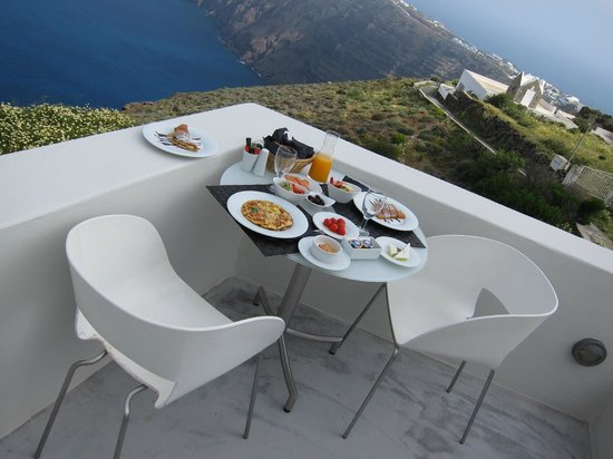 Avaton Resort: Frühstück auf dem Balkon