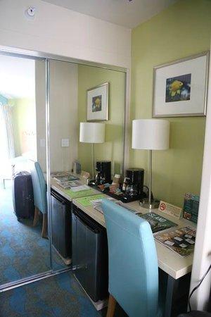 Aston Waikiki Circle Hotel : Chambre
