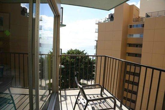 Aston Waikiki Circle Hotel: Depuis le balcon