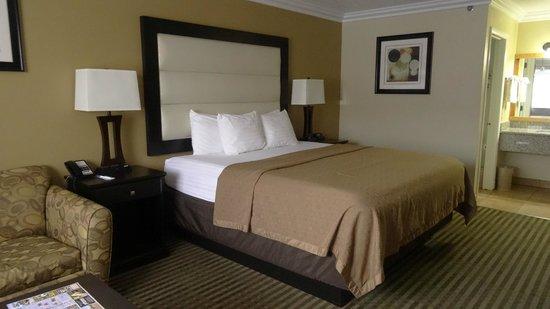 Desert Quail Inn : Bed