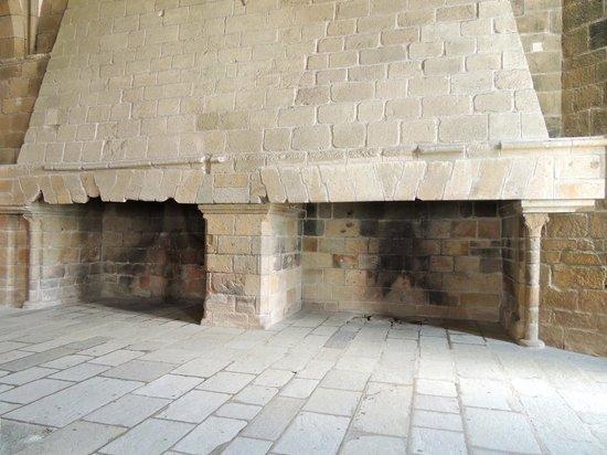 Abbaye du Mont-Saint-Michel : Des cheminées monumentales.