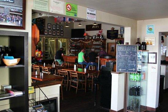 Boundary Bay Brewery & Bistro: Bar Interior