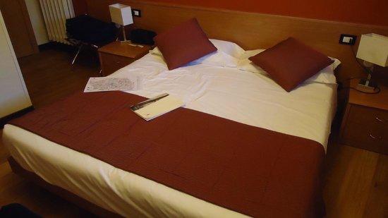 Hotel Accademia : Letto