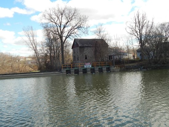 Medina, NY: View across the Erie Canal