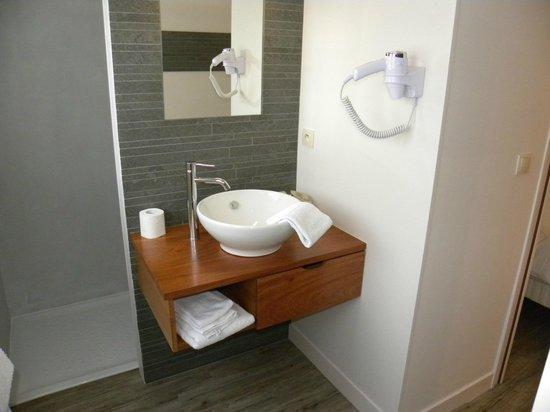 Auberge de la Caillere: salle de bain