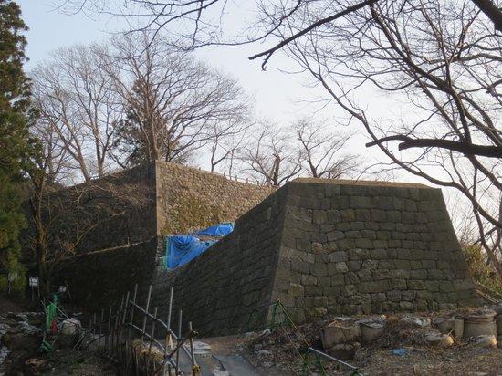 村上城跡, 修築中の出櫓跡