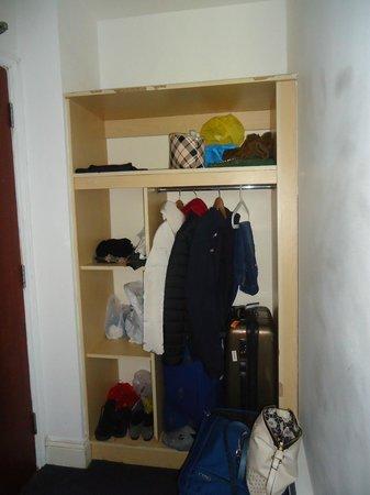Euro Hotel Clapham : armadio