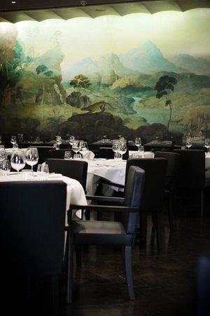 The Rex Whistler Restaurant, Tate Britain: amazing mural round the whole restaurant!