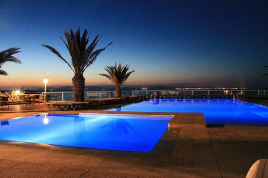 Hotel Club Punta Prima: il tramonto sulla piscina