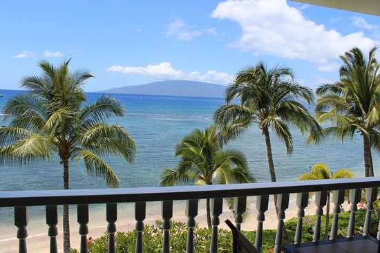 Lahaina Shores Beach Resort: View from Lahaina Shores room