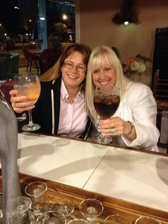 Pals, Spanien: The first drink of the trip!!