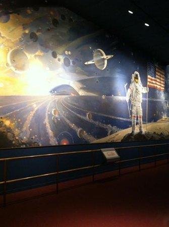 Museo Nacional del Aire y el Espacio: wall mural