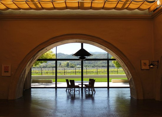 Robert Mondavi Winery: Inside