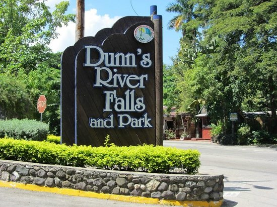 Dunn's River Falls and Park : Sign at the Entrance to the Falls & Park
