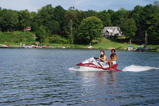 The Lodges at Oak Point: Water sports galore!