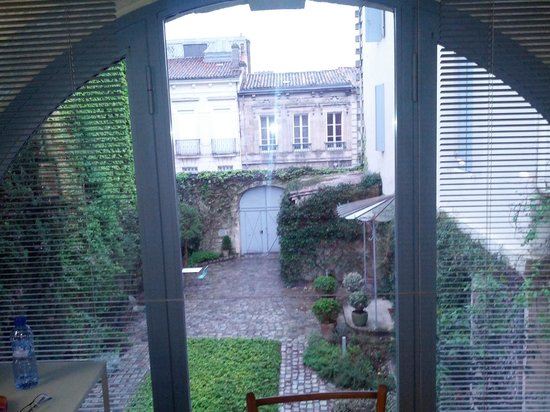 La Maison Bord'eaux: View from the room, Inner patio