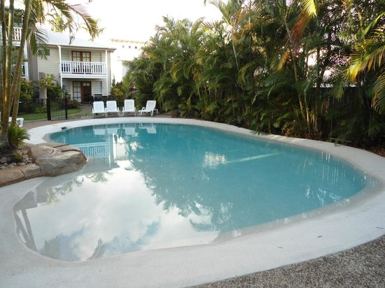 Sandy Beach Resort Noosa: First pool you see