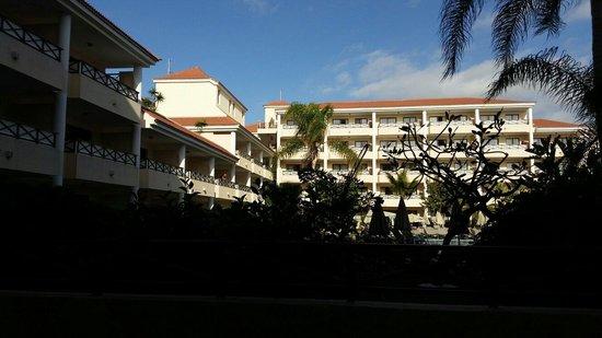 Aparthotel Parque de la Paz : Sat down view from room 31