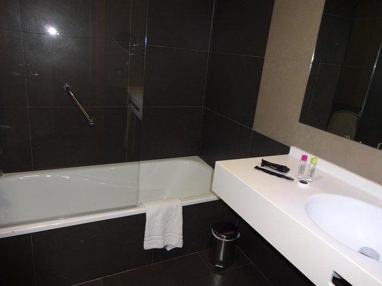 Flash Hotel Benidorm: Bath/Basin