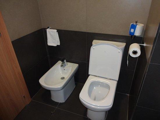 Flash Hotel Benidorm: Toilet/Bidet