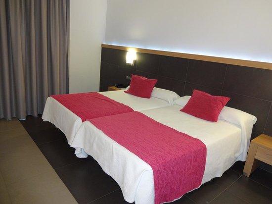 Flash Hotel Benidorm: 2x Double Beds