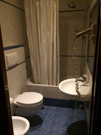 Raganelli Hotel : baño