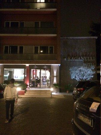 Raganelli Hotel : entrada fachada