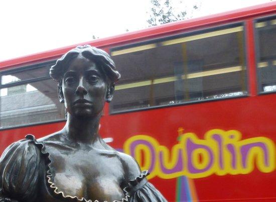 Molly Malone Statue: Busto