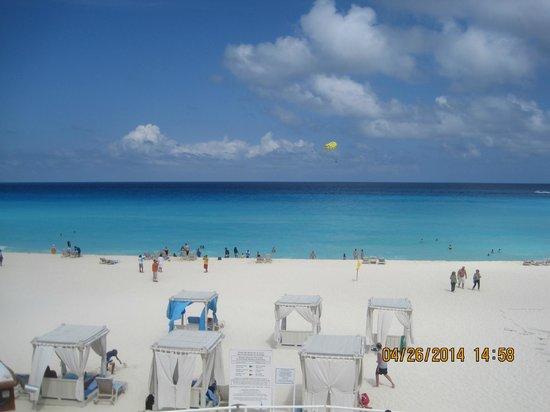 Omni Cancun Resort & Villas: beach