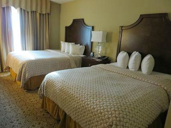 Embassy Suites by Hilton San Antonio Riverwalk-Downtown: べットルーム