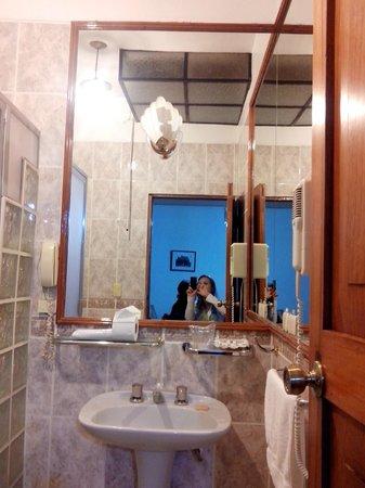 Hotel Los Andes de América: Banheiro