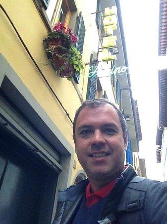 Entrada do Hotel Fiorino