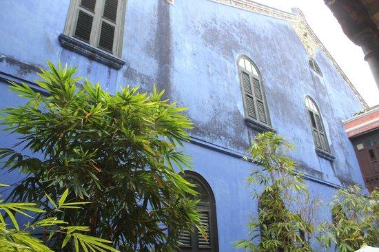 Cheong Fatt Tze - The Blue Mansion: 外壁のブルー