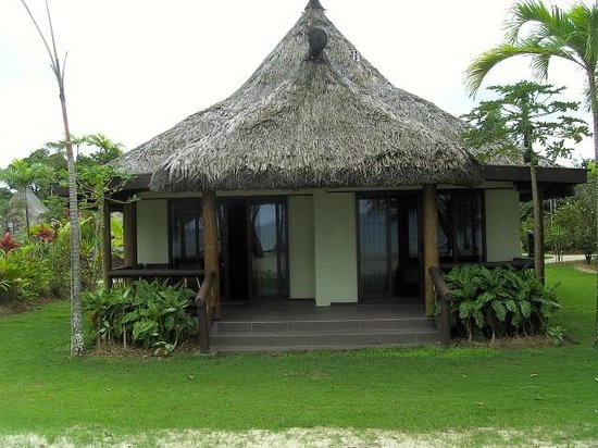 Uprising Beach Resort: Commodore Beachfront Villa