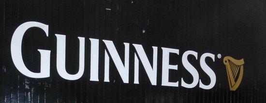 The Brewer's Dining Hall - Guinness Storehouse: Portalón de entrada
