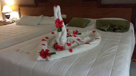 Sirenis Punta Cana Resort Casino & Aquagames: décoration lit
