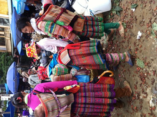 Vega Travel: Sapa tour day 2 local minority market