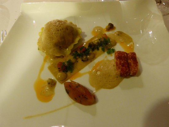Gidleigh Park : lobster raviolo