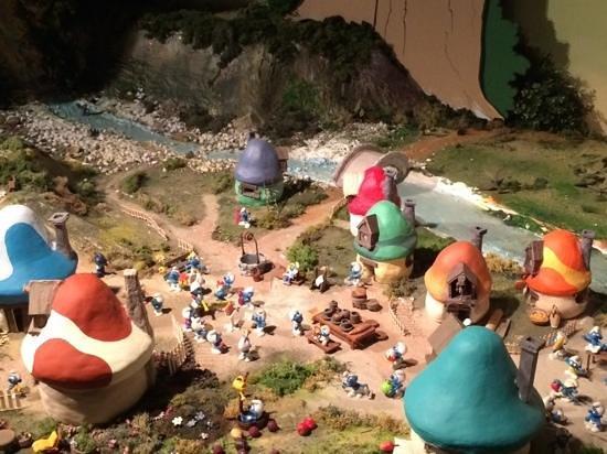 Moof Musée de la Bande dessinée et des Figurines : Model Smurf Town