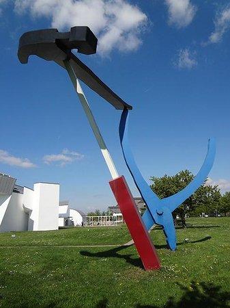Vitra Design Museum, Weil am Rhein : Vitra Campus Sculpture