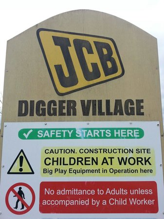 Mead Open Farm: The awesome H&S sign at the JCB area!