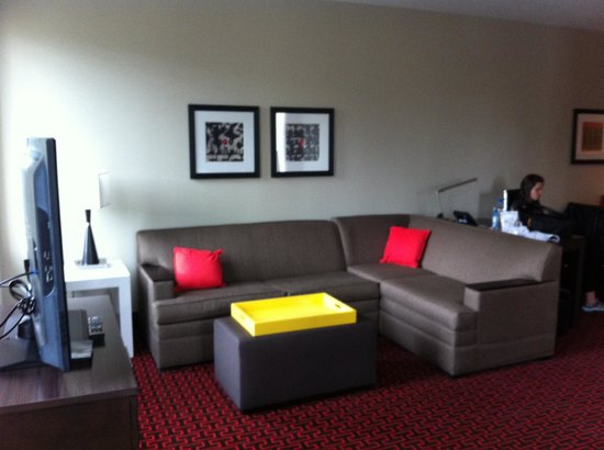Homewood Suites by Hilton Denver Downtown-Convention Center : Com uma sala e um escritório