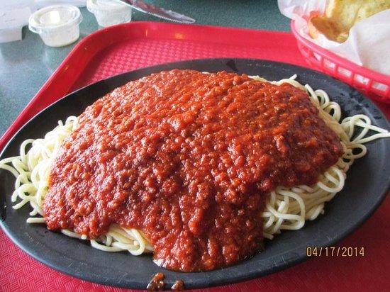 Village Pizza: Pasta w/Meatsauce