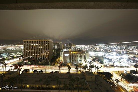 Los Angeles Airport Marriott: 18th Floor looing west
